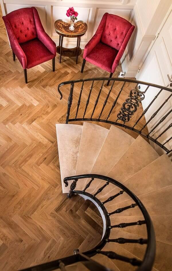 Le manoir de Joséphine - escalier